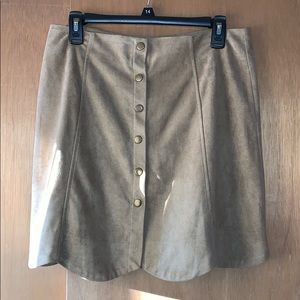 L tan suede button up skirt